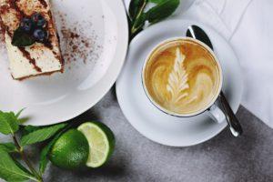 Zum Cappuccino an den Gardasee